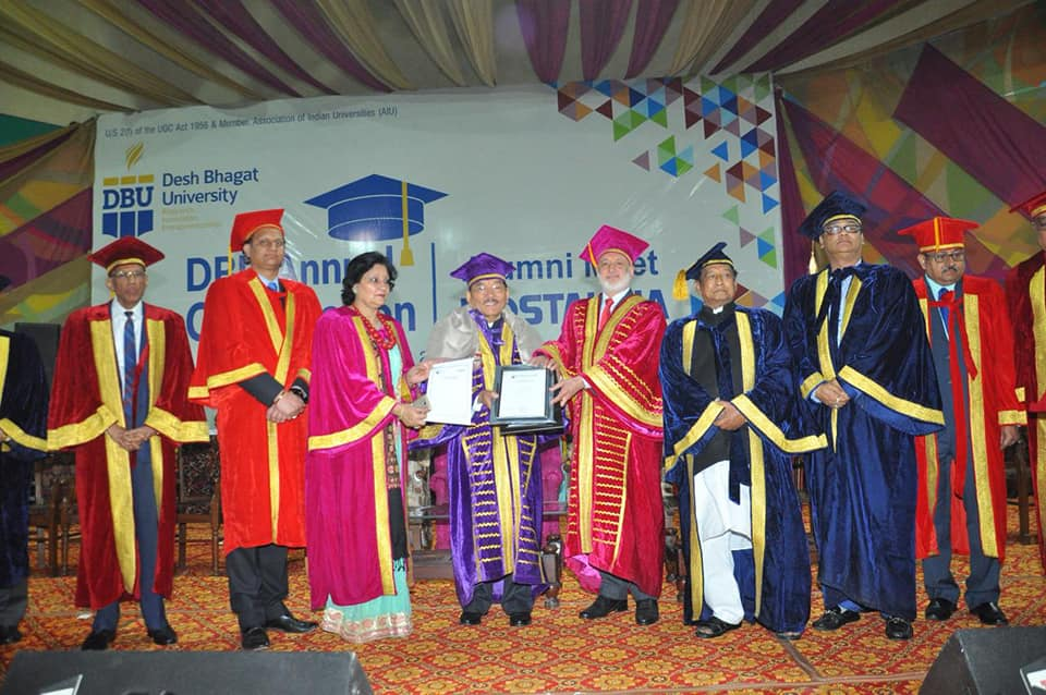 Hon'ble Chief Minister conferred with Doctorate of Literature (Honoris Causa) by Desh Bhagat University in Punjab