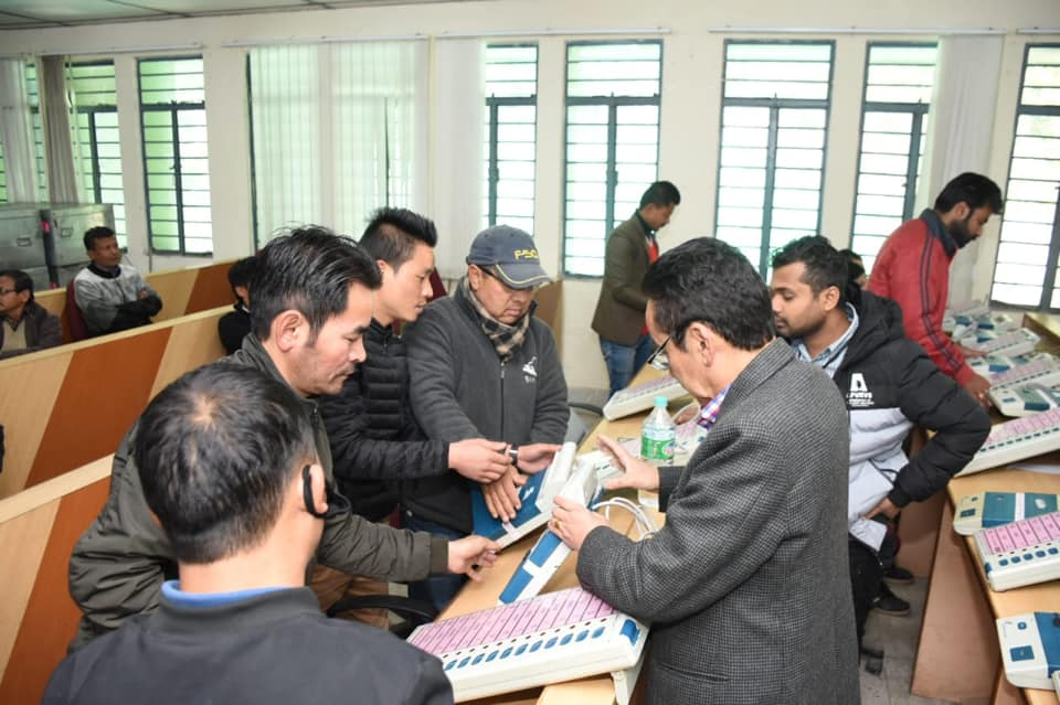 First Level Checking of EVMs & VVPATs commences at South DAC