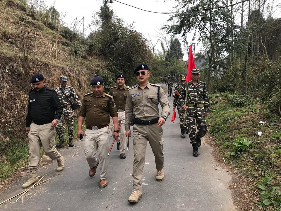 SP West conducts Flag March at Daramdin