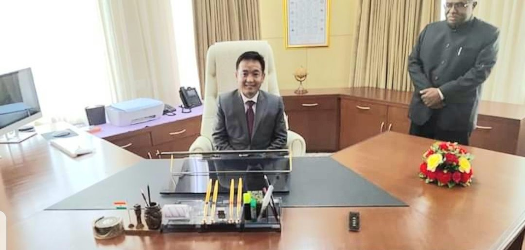 NEW CHIEF MINISTER OF SIKKIM TAKES CHARGE OF OFFICE