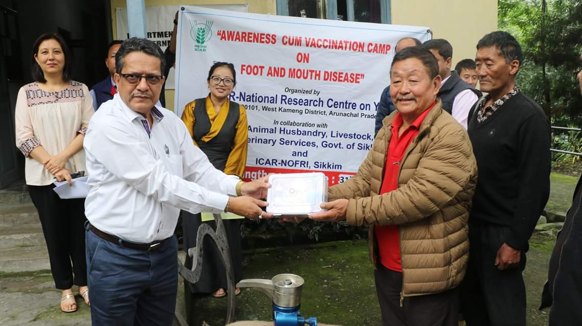A team of ICAR-NRC on Yak reaches Mangan with relief materials