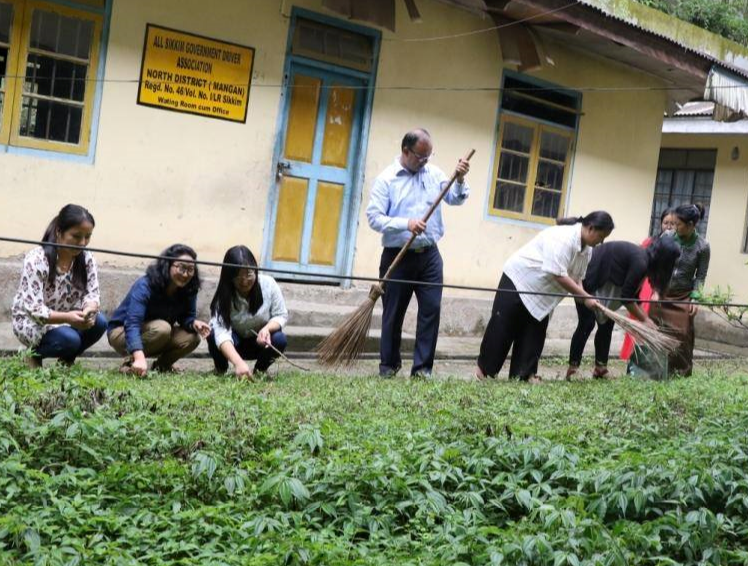CLEANLINESS DRIVE IN NORTH SIKKIM ON 6.06.2019