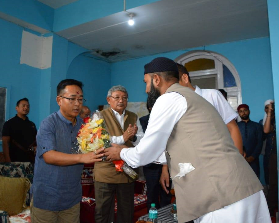 THE HON'BLE CHIEF MINISTER SHRI P.S GOLAY VISITED JAAMAA MOSQUE LOCATED AT GANGTOK ON 6.06.2019
