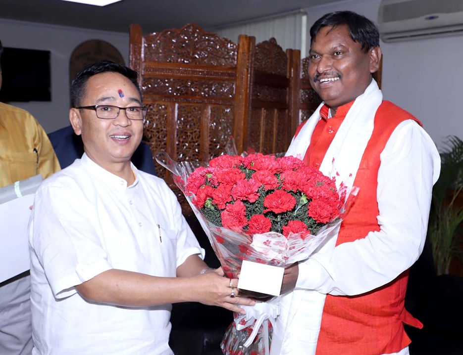 HON'BLE CHIEF MINISTER SHRI P.S GOLAY MEETS UNION MINISTER OF TRIBAL AFFAIRS SHRI. ARJUN MUNDA ON 12.06.2019