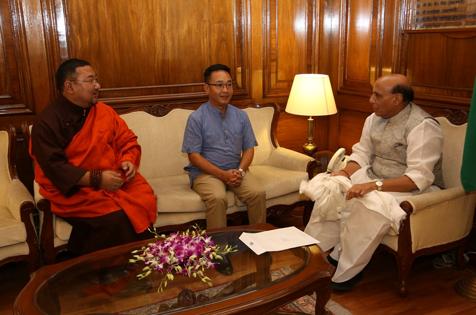HON'BLE CHIEF MINISTER MEETS HON'BLE UNION MINISTER OF DEFENCE, SHRI RAJNATH SINGH ON 11.06.2019