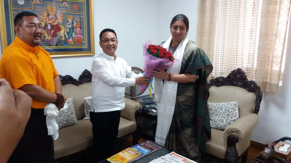 Hon'ble Chief Minister meets Hon'ble Minister of Textiles, Women & Child Development