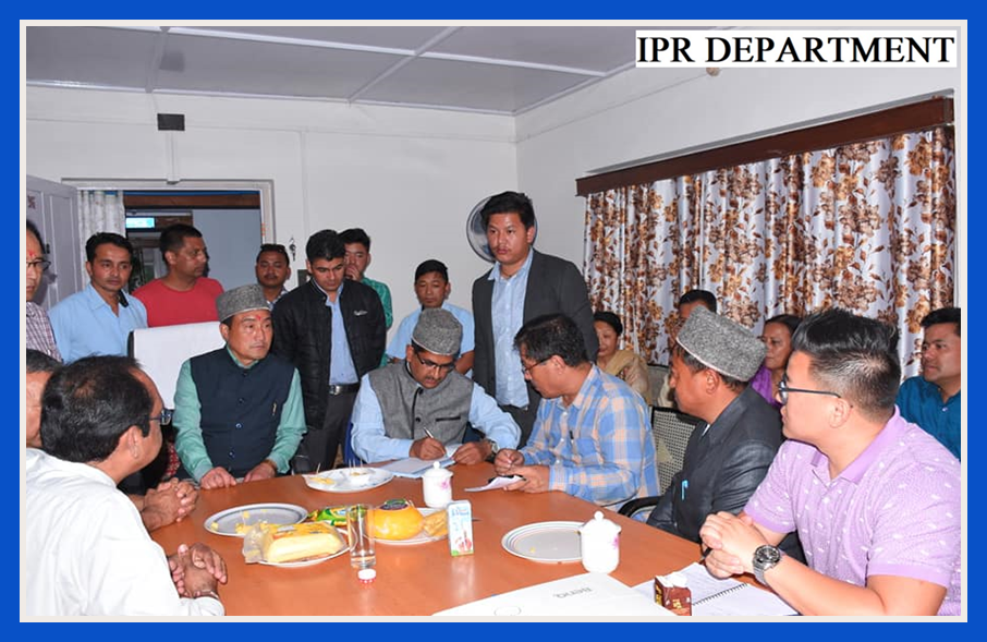 THE DY. SPEAKER AND IPR MINISTER VISITS DEPARTMENTAL OFFICES OF MANEYBONG DENTAM CONSTITUENCY ON 2.07.2019