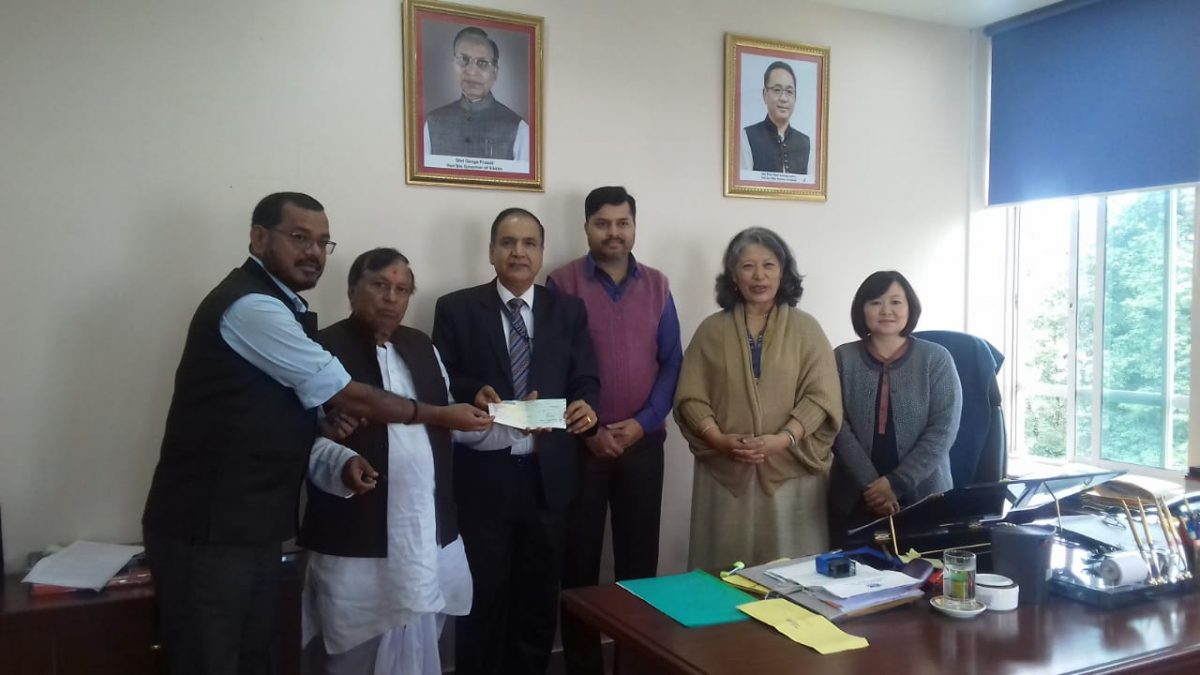 Bihari Jagran Manch hands over donation for affected people of Tsong village