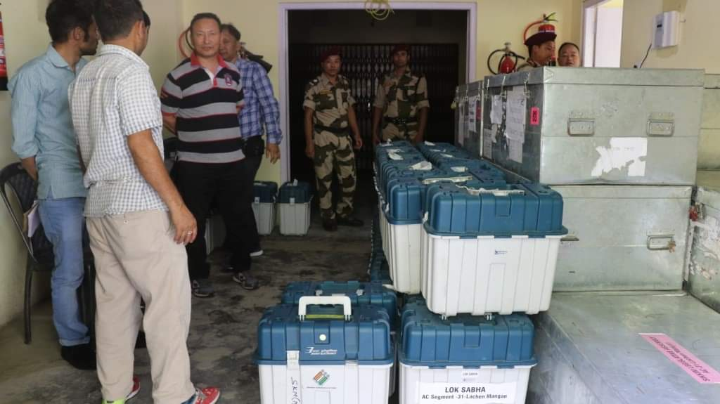 'D' category EVMs and VVPATs successfully shifted from Pentok to DAC Mangan warehouse