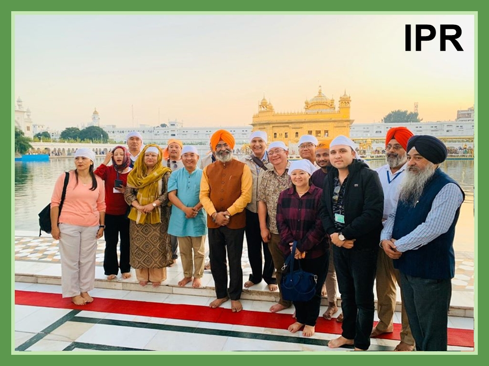 Hon'ble Chief Minister, Shri P. S Tamang along with Madam Sarda Tamang visited the famous Golden Temple on 08.11.2019