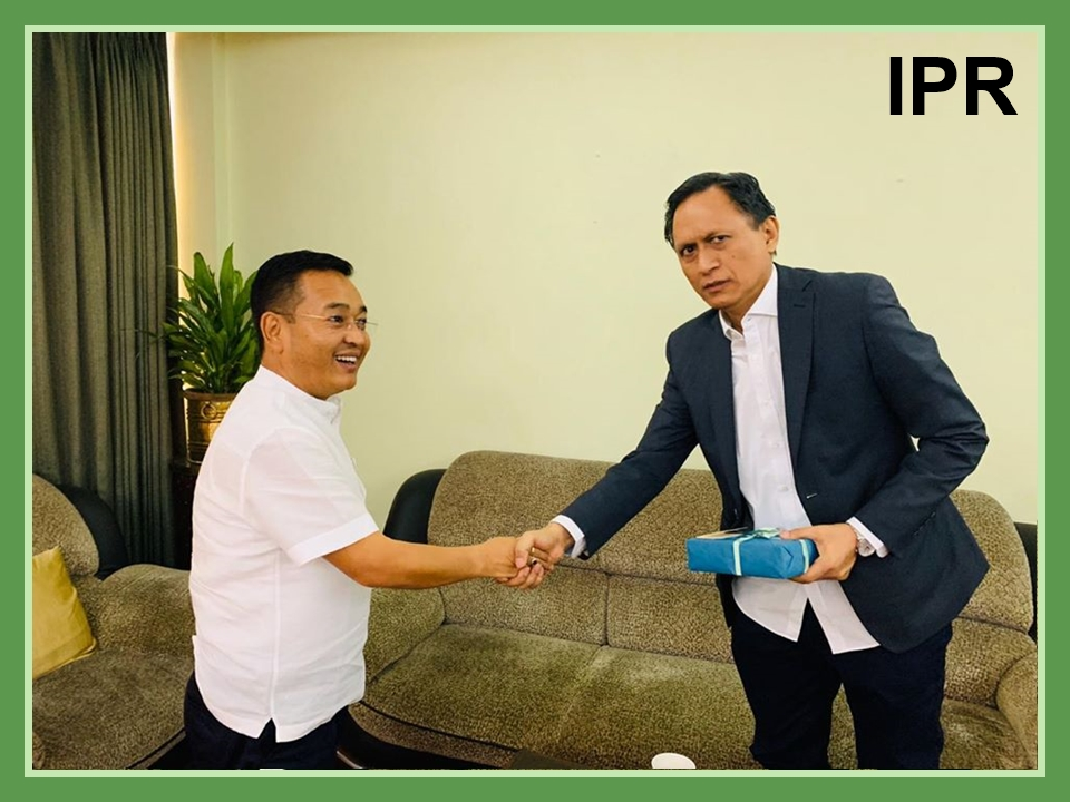 Senior journalist of ABP News called on the Hon'ble Chief Minister Shri P. S Tamang at Sikkim House New Delhi on 10.11.2019