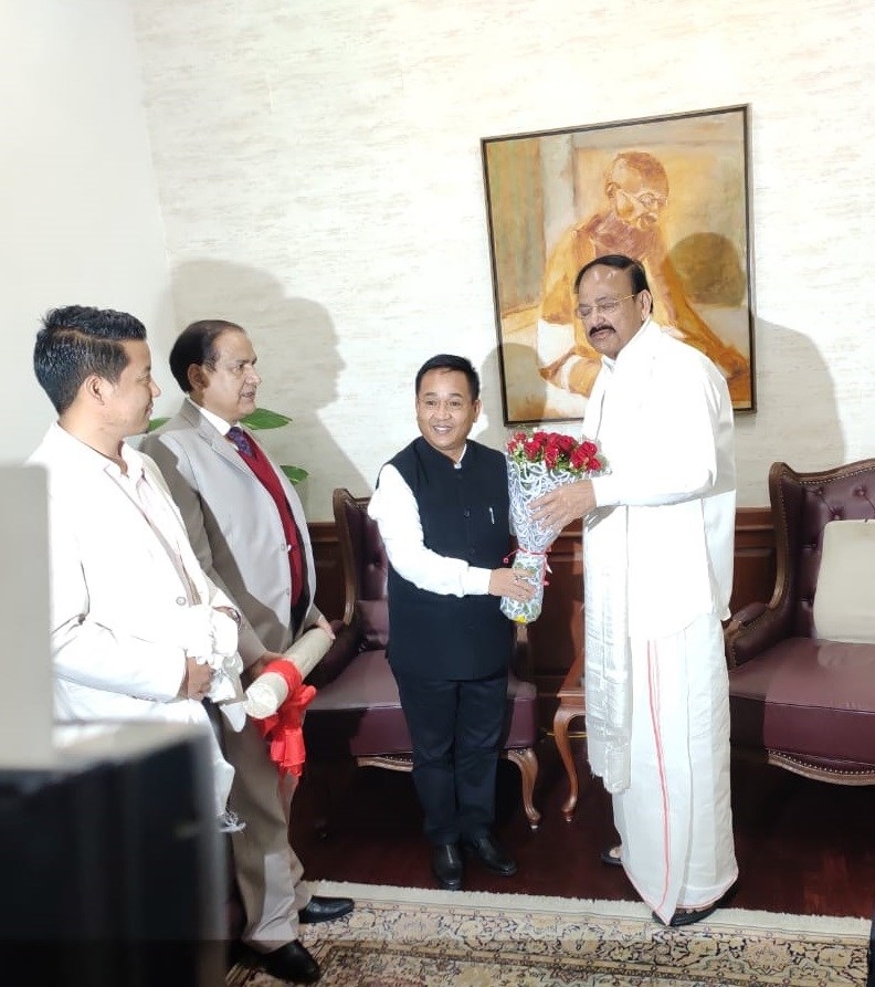 Hon'ble Chief Minister Shri P S Tamang called on the Hon'ble Vice President Shri M Venkaiah Naidu at New Delhi
