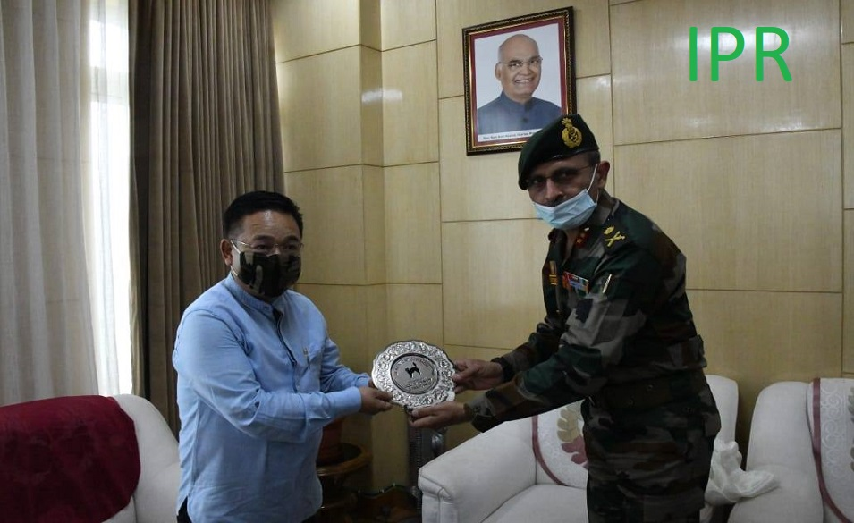 New General Officer Commanding of 17 Mountain Division Major General Shri Rohit Sawhney called on the Hon'ble Chief Minister