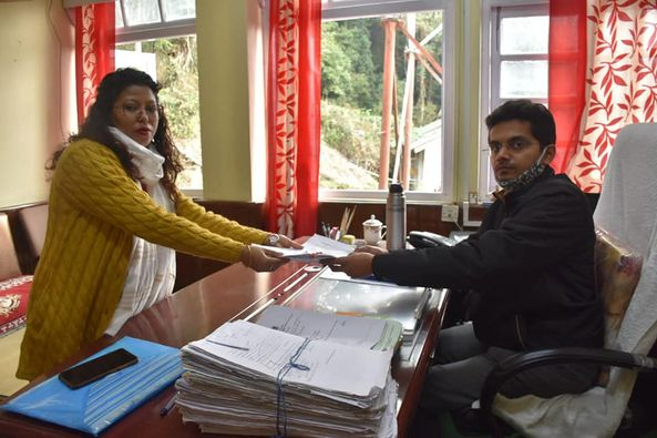 Three independent candidates file their nominations for Municipal Election 2021 West Sikkim
