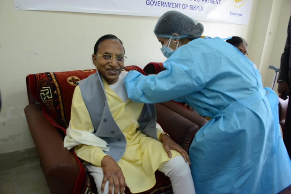 Hon'ble Governor and First lady receive the Second Dose of COVID-19 Vaccine