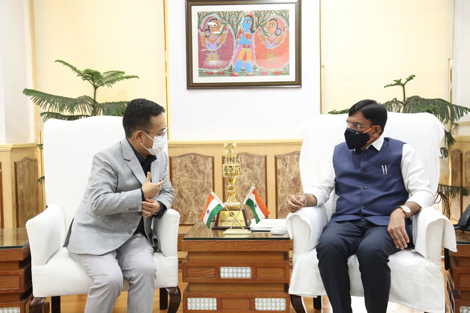 The Hon'ble Chief Minister of Sikkim Shri Prem Singh Tamang called on the Hon'ble Union Minister of Health and Family Welfare
